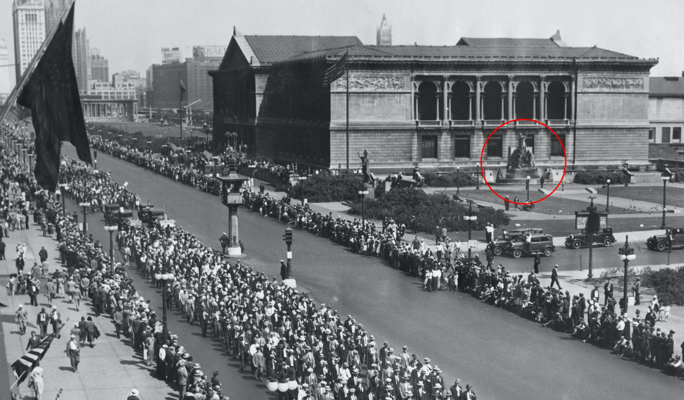 Early photo of Art Institute looking north up Michigan avenue during a parade