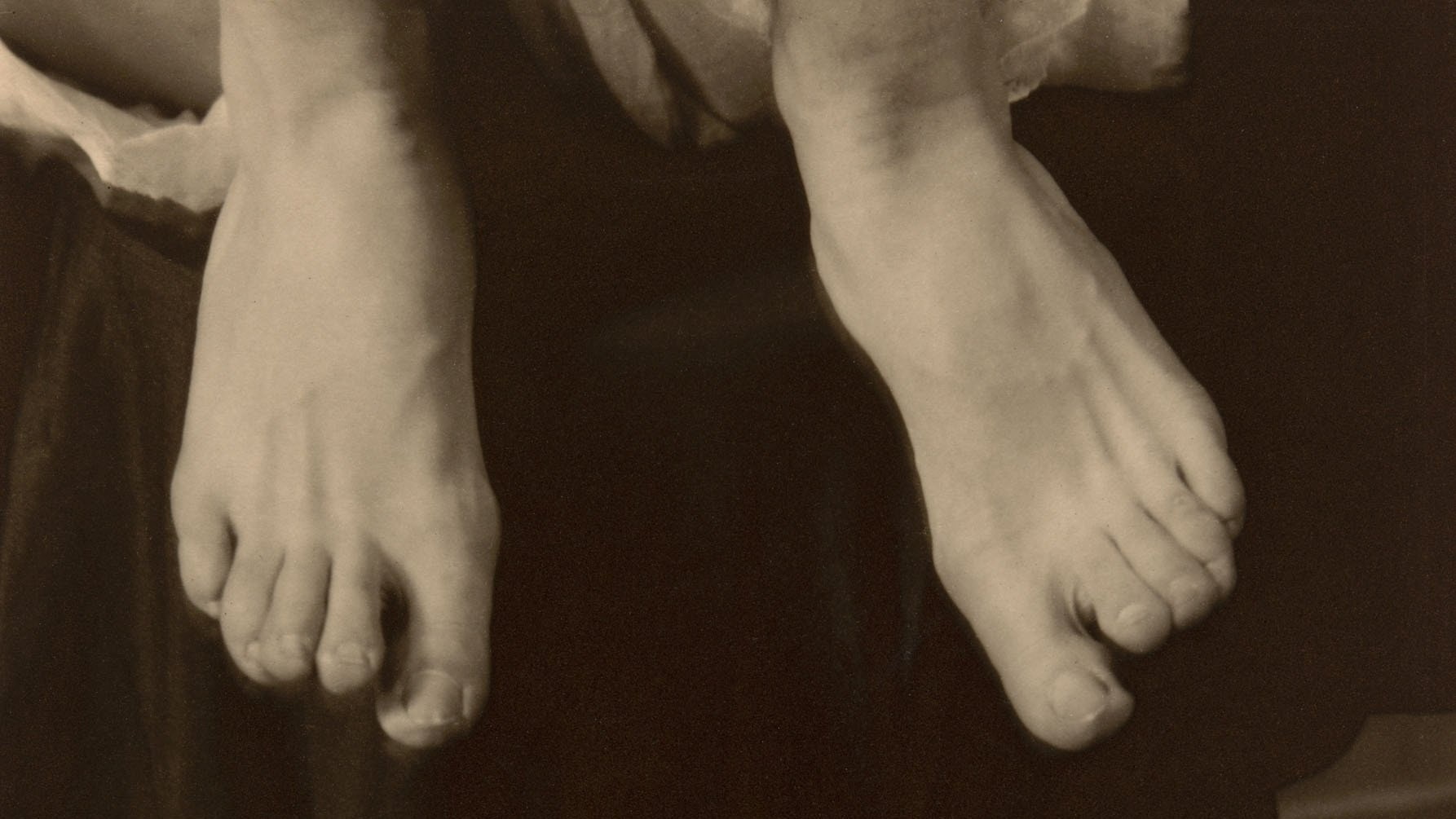 1949.746 Georgia Okeeffe Feet Alfred Stieglitz