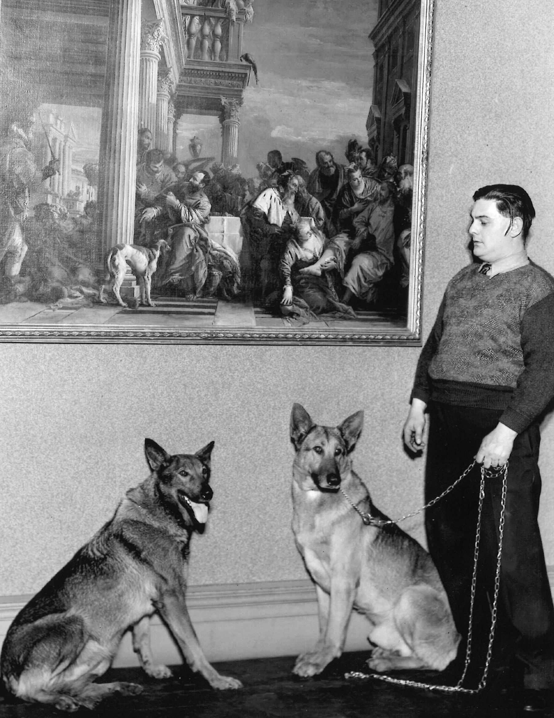 William Seiler. keeper. and the Art Institute of Chicago guard dogs, 1938