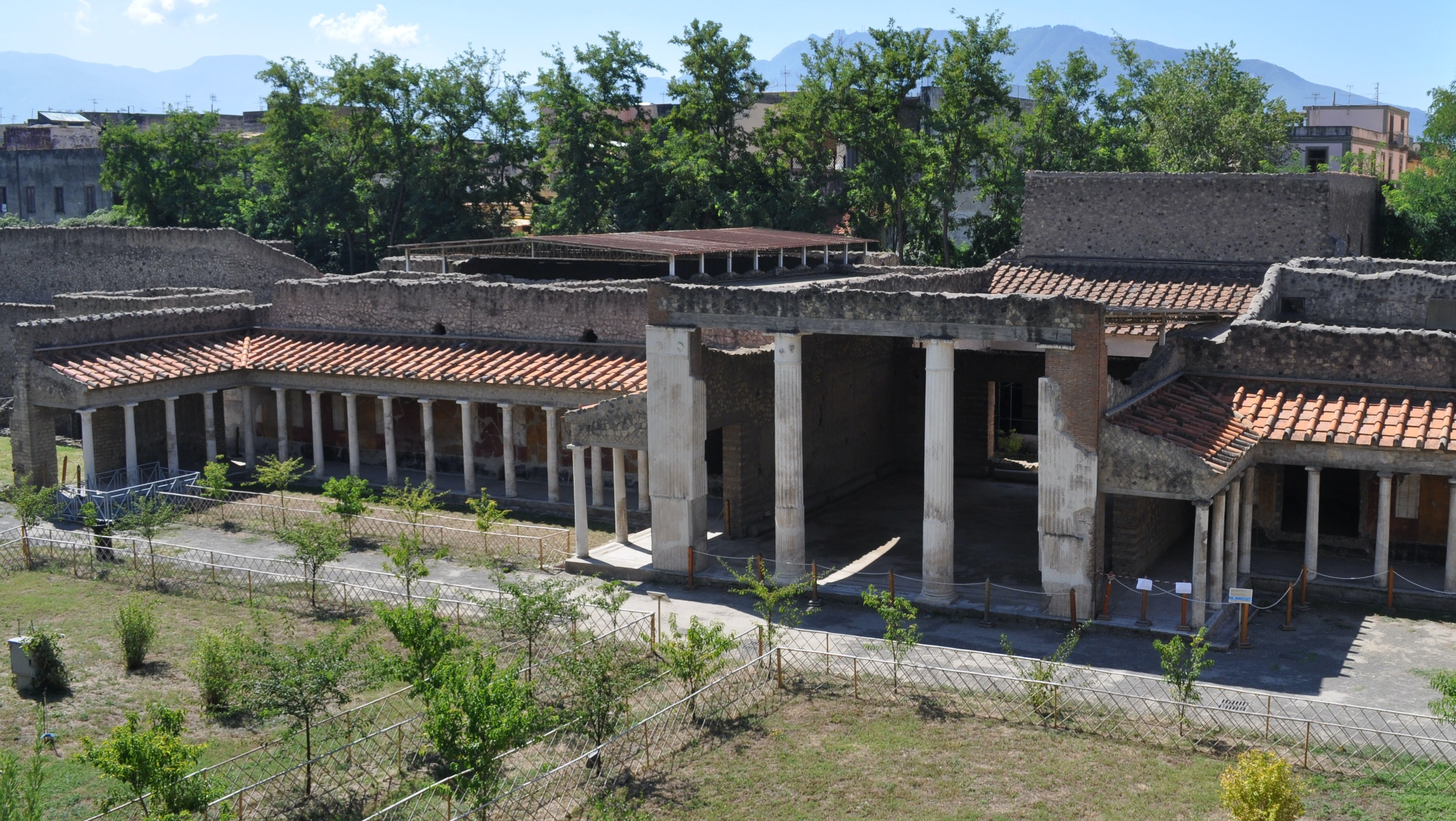 A photo of a Roman villa