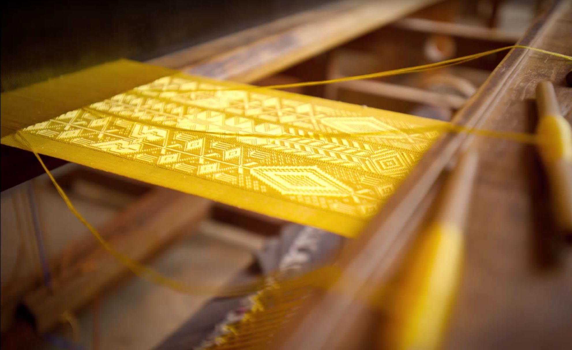 Golden Spider Silk Textile Video