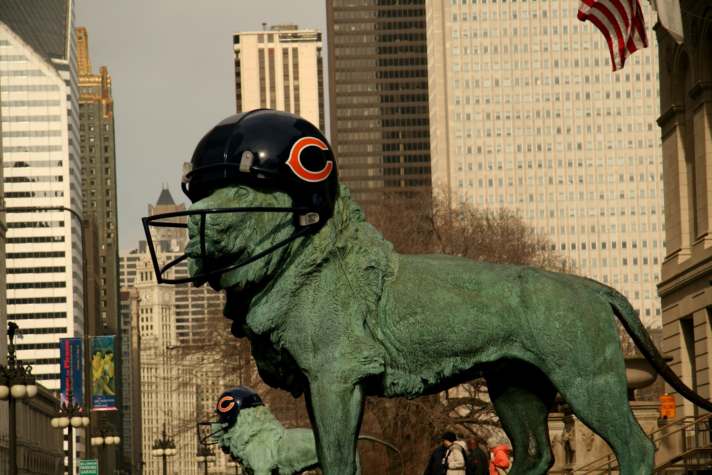 2007 photo of Lions wearing Chicago Bears Helmets